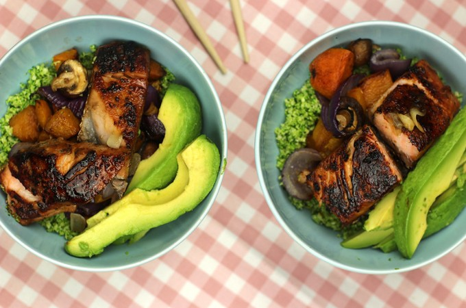 Deconstructed salmon sushi bowls