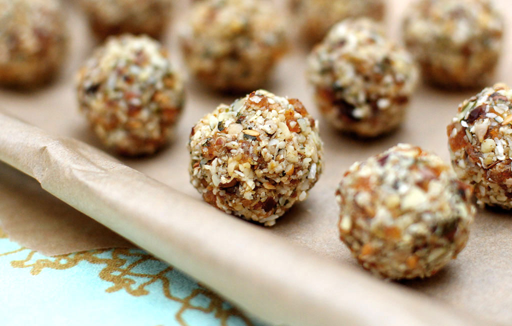 FRUIT-SEED-NUT-BALLS