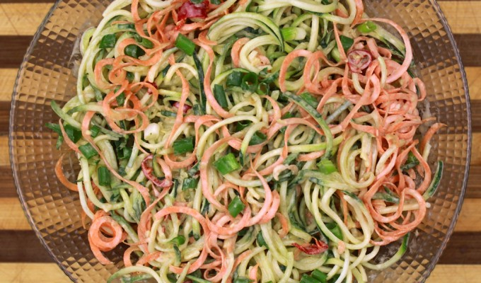 Raw Thai vegetable salad